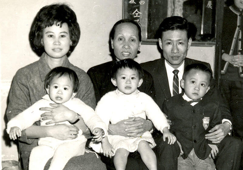 Mrs. Lee with her husband, three children and mother-in-law.1966
